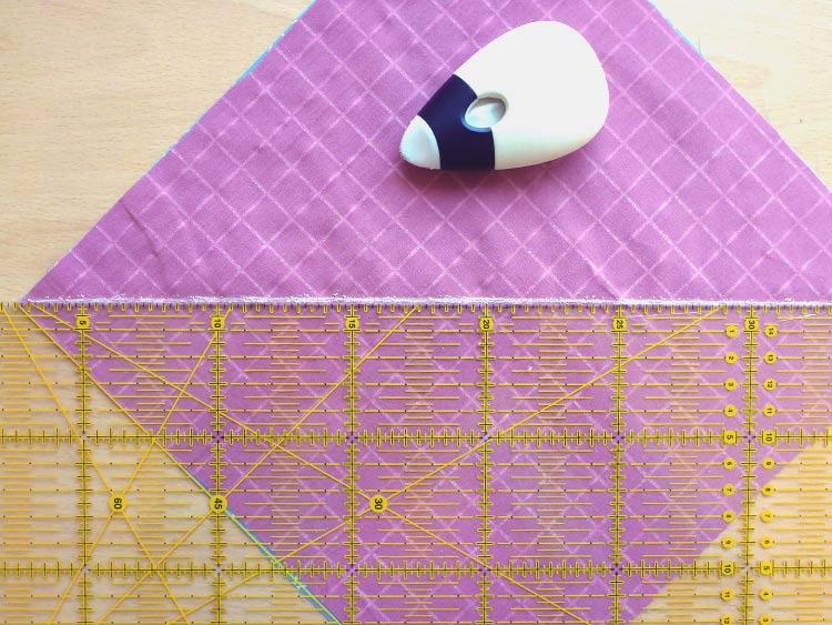 Comment créer un coussin en quilt: Étape 3: La couture de l'avant